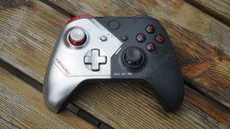 《赛博朋克2077》限定Xbox One手柄开箱 基努·里维斯战损涂装