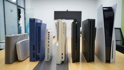 PS5实机开箱组图 附带历代PS家用机合影对比