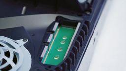 彭博社:索尼将在今年夏季开放PS5主机内部的M.2 SSD扩展接口