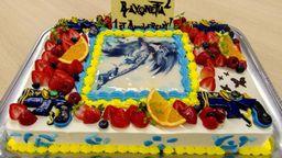 《猎天使魔女2》发售一周年 制作组特制蛋糕庆祝