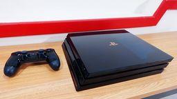 「PS4 Pro 5亿台纪念限定版」开箱 深蓝色半透明无比华丽