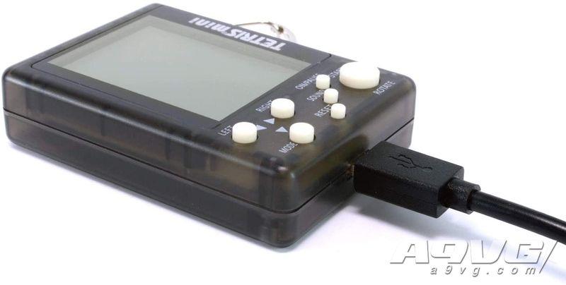 """便携游戏机""""俄罗斯方块mini""""10月8日上市 共6种颜色"""