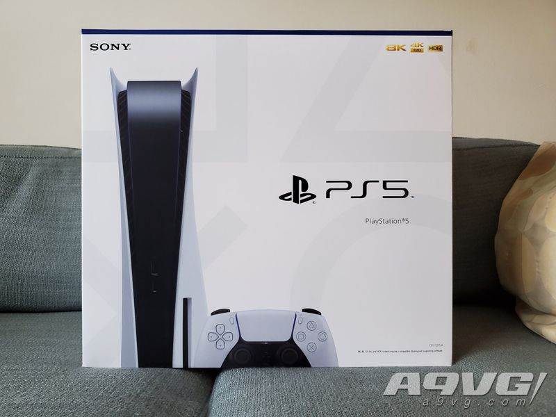 PS5主机外包装展示及DualSense手柄的开箱视频