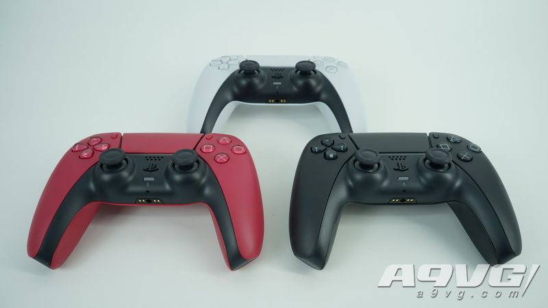 """PS5 DualSense手柄新配色""""午夜黑""""与""""星尘红""""开箱实拍"""