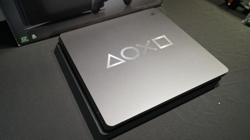 PS4 DAYS OF PLAY限定版实机照片 典雅高端钢铁黑