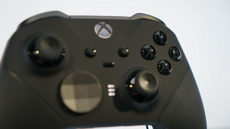 Xbox精英无线手柄2代现场实物图集 做工精良且续航持久