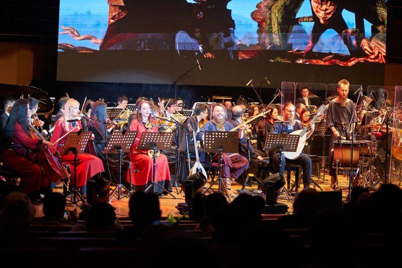 东西方猎魔人风云际会上海 音乐会感动数十万人