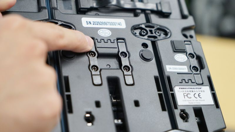 图马思特TCA飞行摇杆三件套开箱:还原驾驶舱意象的三块拼图