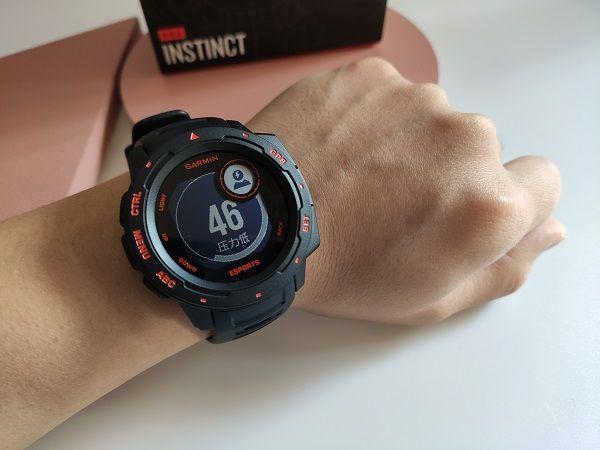 电竞爱好者的潮流新装备:佳明本能电竞版智能手表动手玩