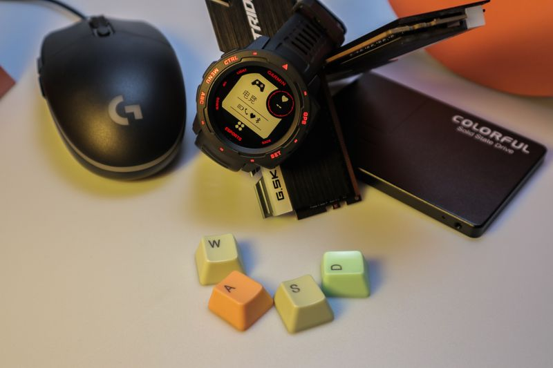 电竞者的潮流腕表:佳明本能电竞版智能手表图赏