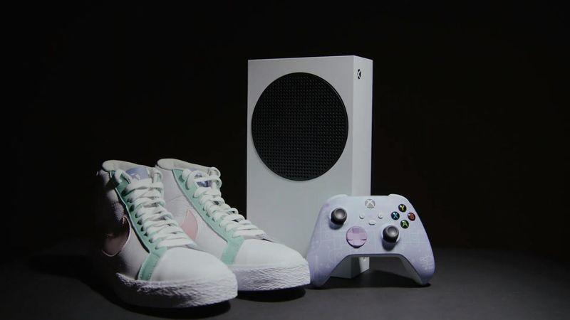Xbox和耐克为WNBA运动员推出联名款主机、手柄和篮球鞋