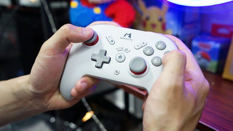 魔派M073无线手柄开箱:Switch+PC多平台玩家的优质选择