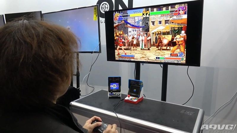 NEOGEO mini主机实机试玩视频 即可单独玩也可接电视玩